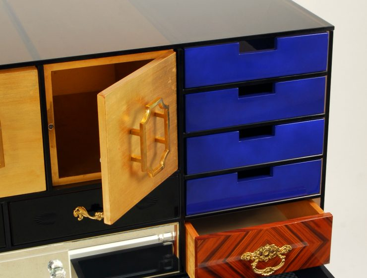 Modern And Luxurious Sideboards To Complete Your Room Decor | At Sideboards and Buffets Blog we bring the best selection of outstanding design pieces for your home. #sideboards #sideboardsandbuffets #modernsideboards #luxurioussideboards