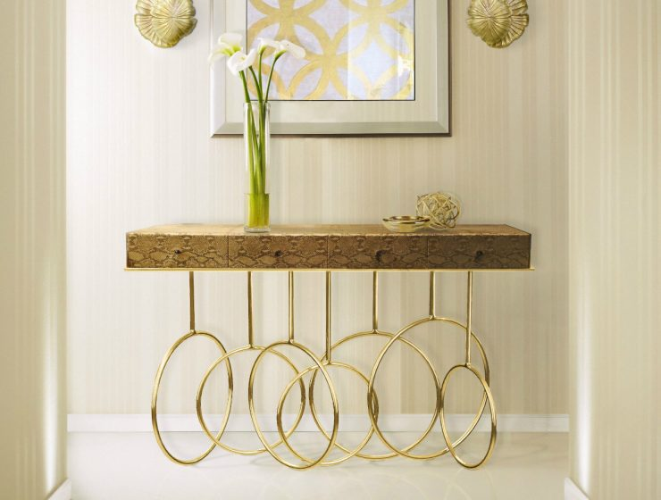 Burlesque Console Table: When the Design Goes Exotic and Mysterious